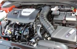 elantra-sport-2017-engine-2400px