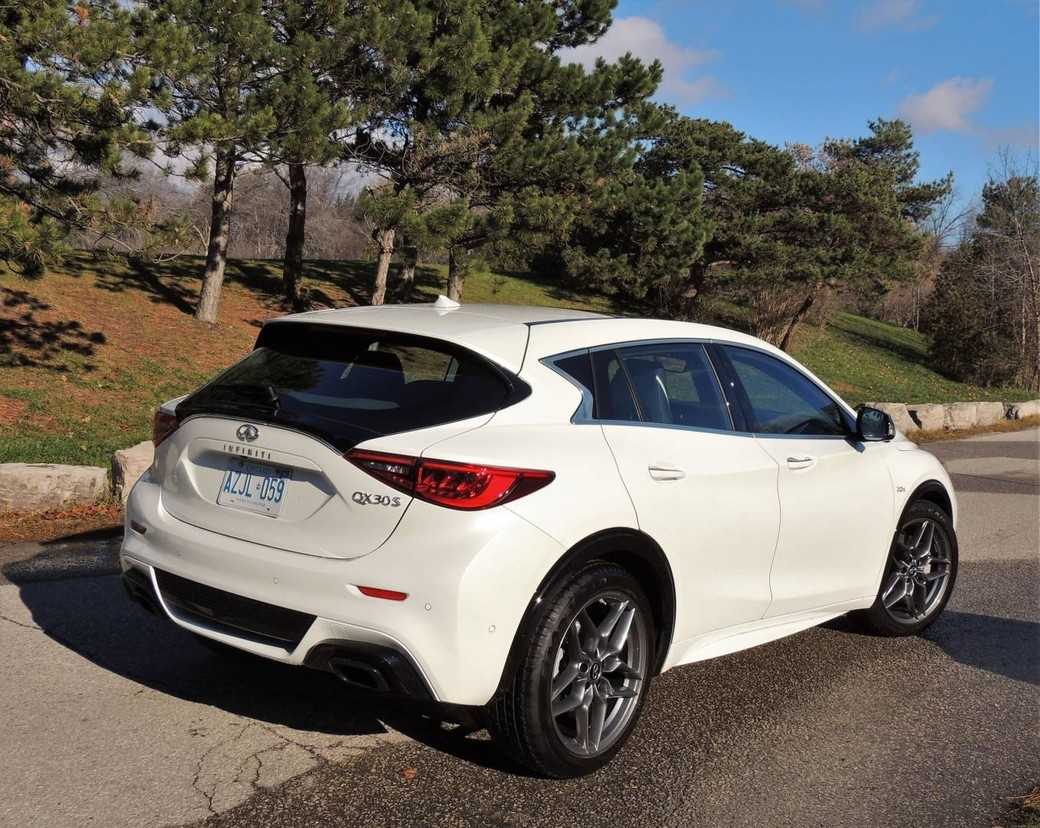 infiniti qx30 hot hatch sport wagon or crossover. Black Bedroom Furniture Sets. Home Design Ideas