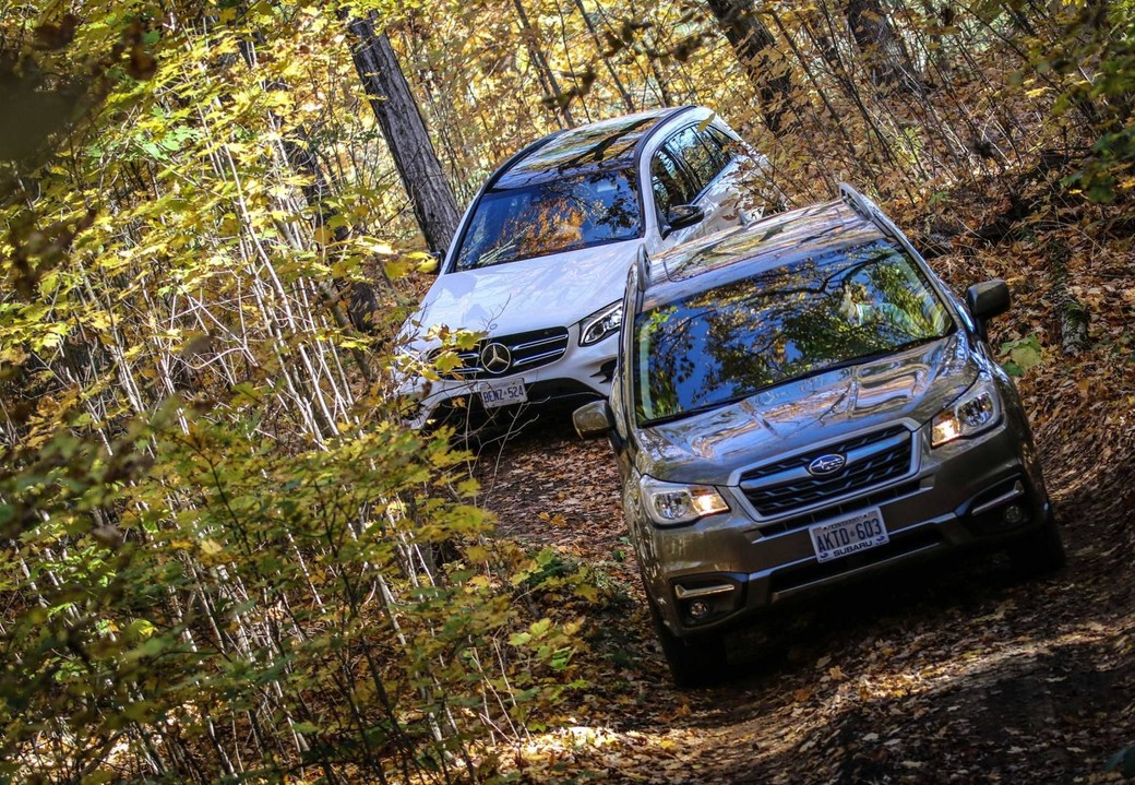 mercedes-and-subaru-on-offroad-course-2400px