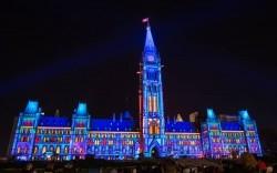 Northern-Lights-Parliament-Hill-2-photographer-James-Peltzer