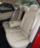 sonata-hybrid-2016-rear-seats-2400px