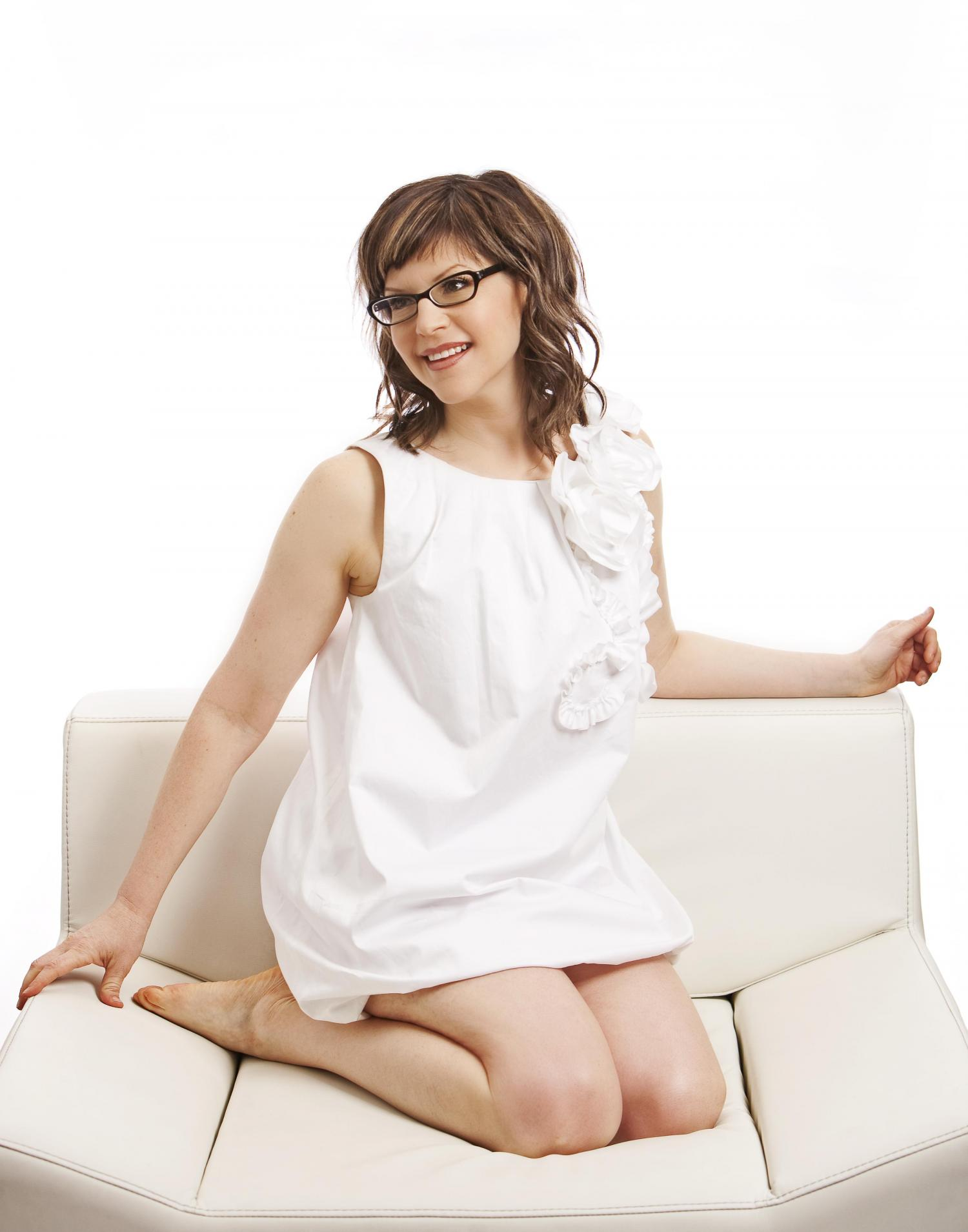 """Lisa Loeb Finds New Ways to """"Stay"""""""