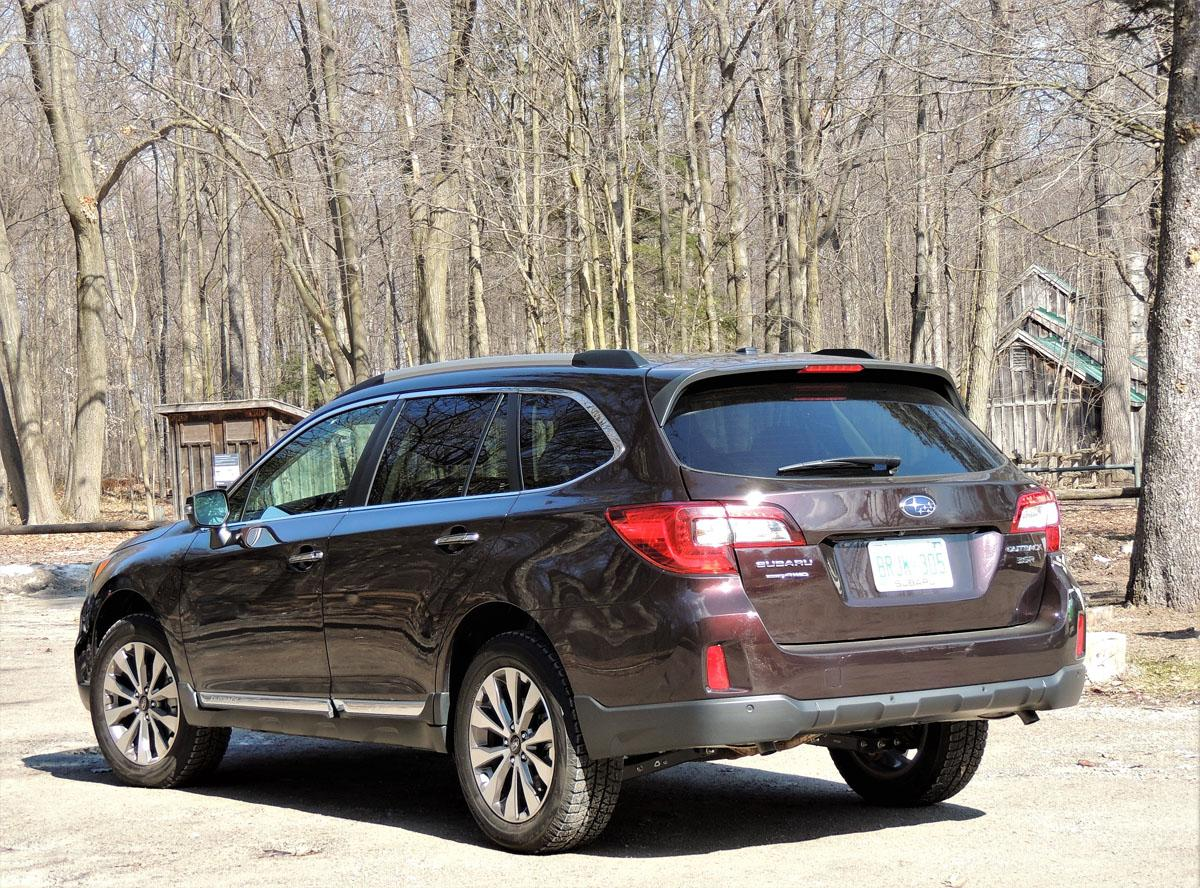 subaru outback an suv and crossover alternative. Black Bedroom Furniture Sets. Home Design Ideas