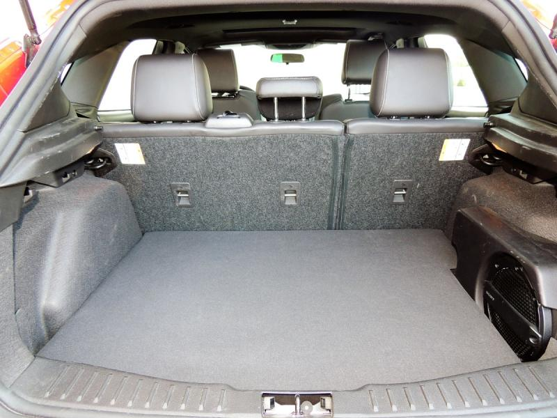 focus st continues adding sizzle to ford lineup. Black Bedroom Furniture Sets. Home Design Ideas