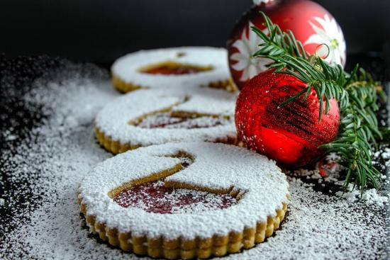 5 Tips to Avoid the Holiday Weight Gain...and Still Indulge in it All