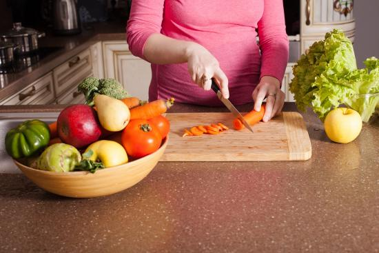 Are you pregnant? Follow these four food safety steps!