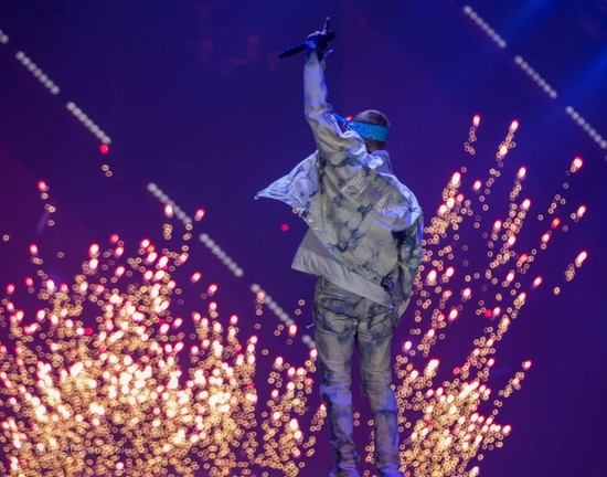 Bieber Finds Awards Hollow... And he Might be Right