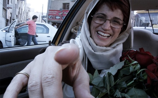 "Movie Review: Jafar Panahi's ""Taxi"" breaks the law to show streets of Tehran"