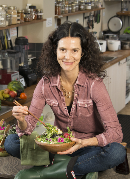 A Spoonful of Health: A Former Model Finds Remedy in Food and Helps Others to Do the Same
