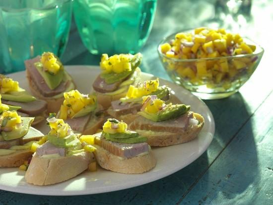 Udi's Ahi Tuna, Avocado and Mango Salsa Sandwich
