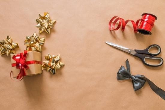Add a Personal Touch to the Holidays with Festive DIYs