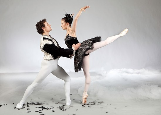 Swan Lake: Ballet Jörgen Puts New Spin on Timeless Classic