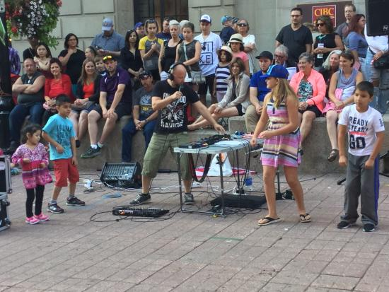 Buskers Take Over Sparks Street