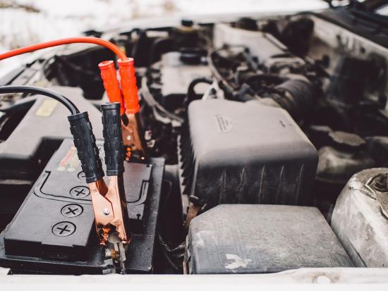 Key factors to consider before buying a car battery jump starter