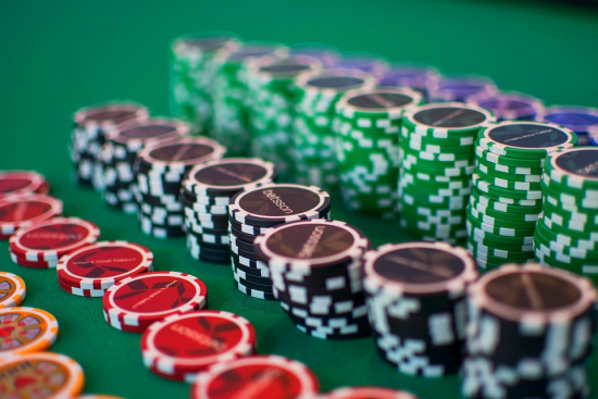 Will Canada Lead or Follow the USA to Online Gambling Regulation?