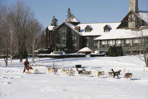 Chateau Montebello is a Perfect Winter Family Getaway