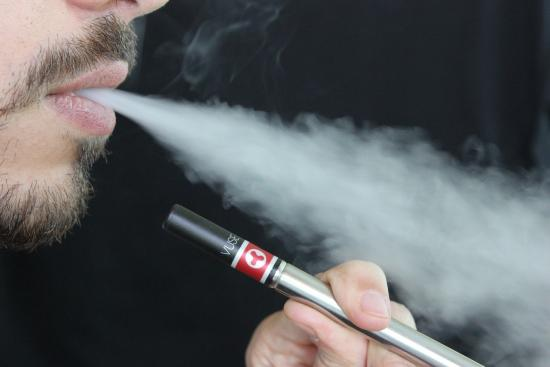What's the Difference between Nicotine Salts and Regular E-Liquid?