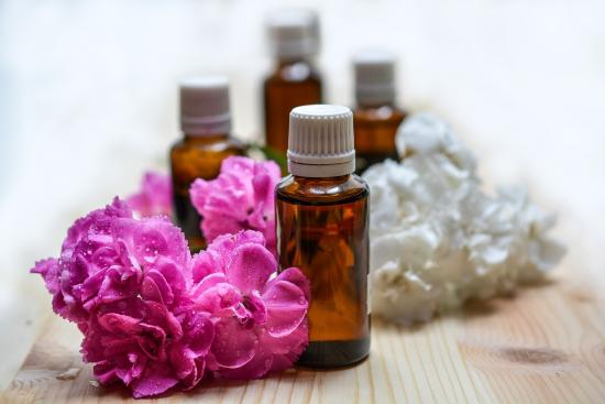 Eau Natural: Aromatherapy is Taking Over the Fragrance Industry