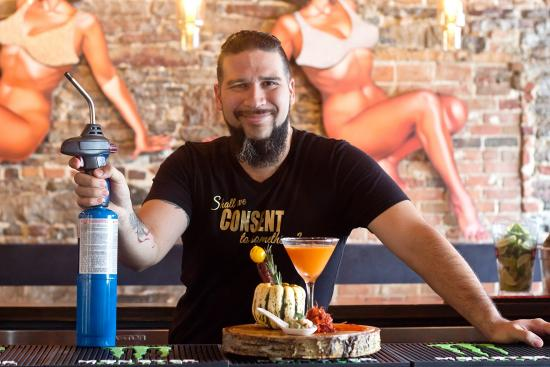 The Kinki Lounge Kitchen: a special and simple cocktail to enjoy this fall!