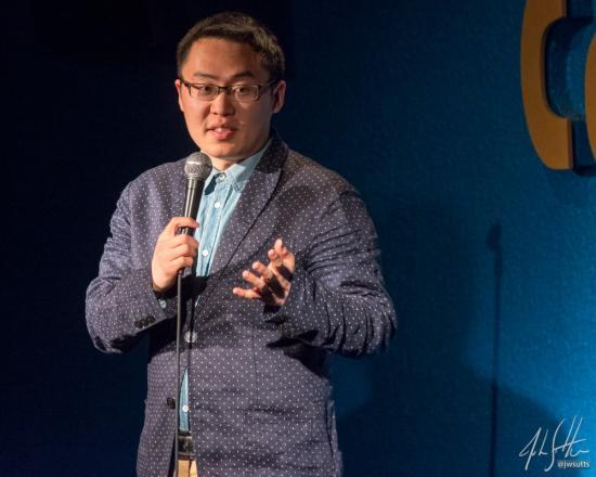 Spotlight on stand-up comedian He Fangzhou