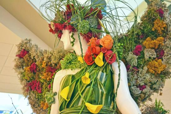 High Fashion is in Bloom This Week at Bayshore Shopping Centre
