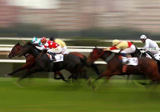 Horse racing contests in Canada