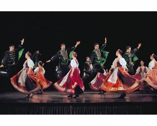 Hungarian State Folk Ensemble to stage tour-de-force performance at Ottawa's Algonquin Commons Theatre