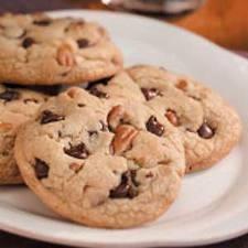 Recipe: Jumbo Chocolate Chip Cookies (Chewy)