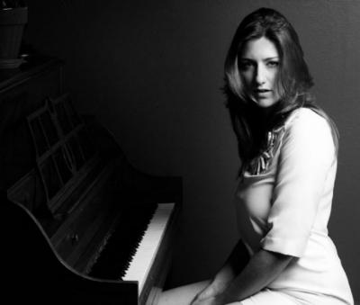 Pilar's Picks: Julie Crochetière