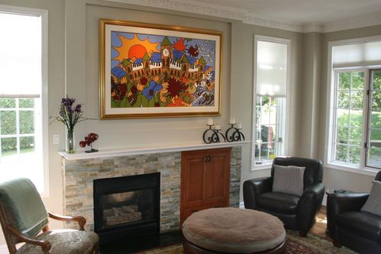 Benefits of designing an interior space with wall art