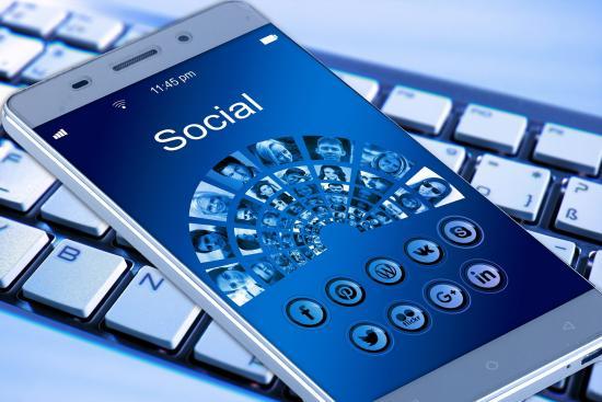 Twitter Halts Its Verification Program