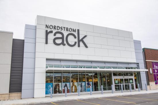 Nordstrom Rack Opens in Ottawa