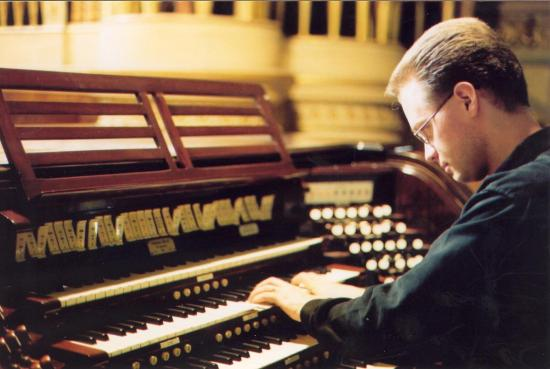 Interview with Organist Jonathan Oldengarm