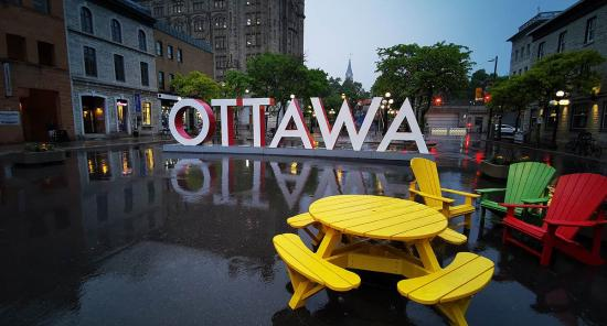 Staying in Ottawa? Here's how to enjoy the city's nightlife!