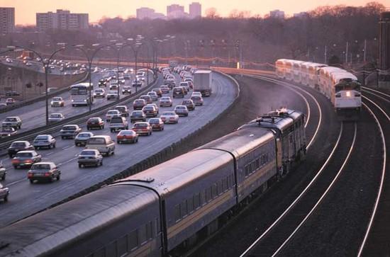 CANADIAN RAILWAYS: Assisting Canada's Environmental Performance