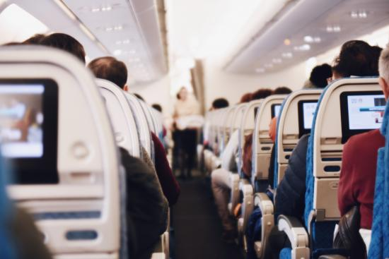 5 Ways to keep entertained on long flights