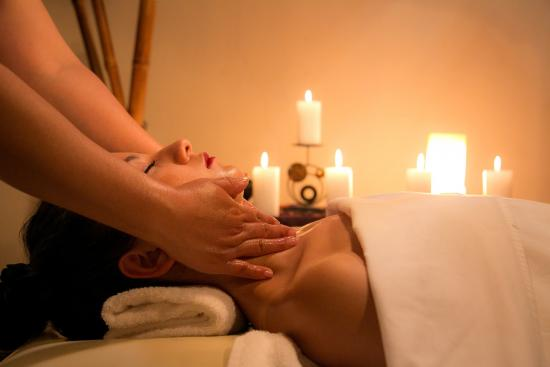 How to Set Up Shop as a Massage Therapist at a Luxury Spa