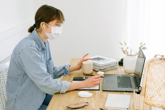 Survey reveals workers feeling remarkably productive during COVID-19 pandemic (and insights to maintain remote team efficiency)
