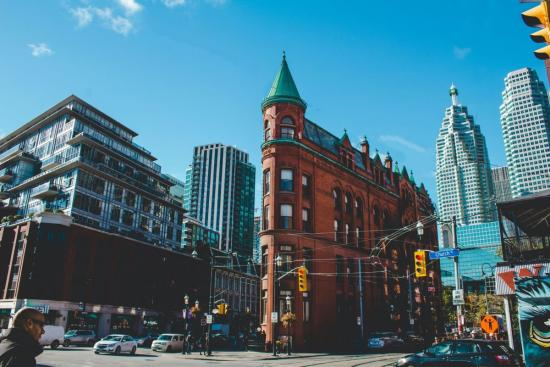 Best neighbourhoods to stay in Toronto for your city escape