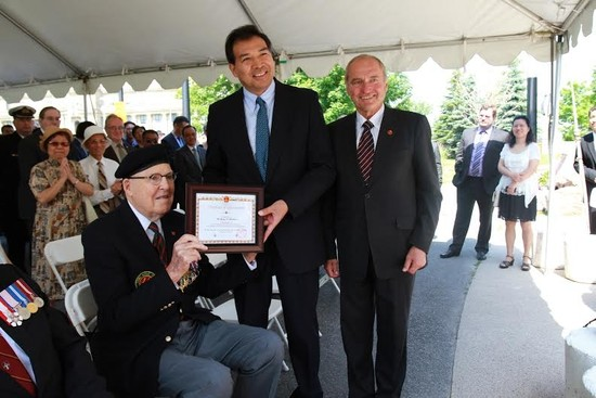 Chinese Ambassador and Canadian Veterans Commemorate the 70th Anniversary of the Victory Against Fascism and Japanese Aggression