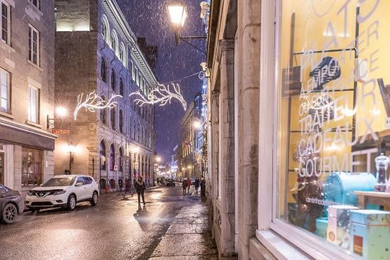 Experience Montreal's famous joie de vivre at Hôtel Le Crystal