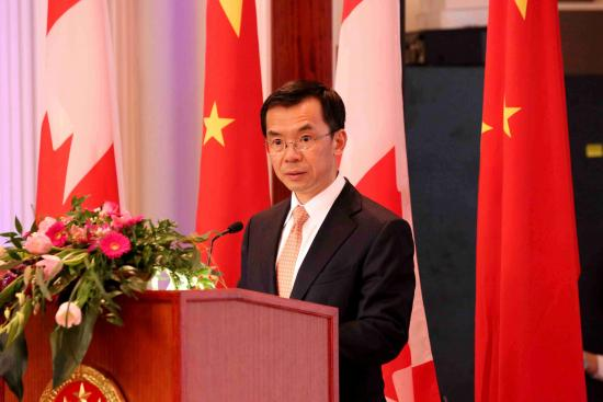 Chinese and Canadian Reporters Interview Chinese Ambassador to Canada Lu Shaye