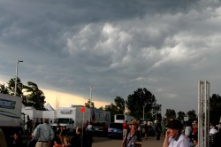 Storm looms over Ottawa Bluesfest