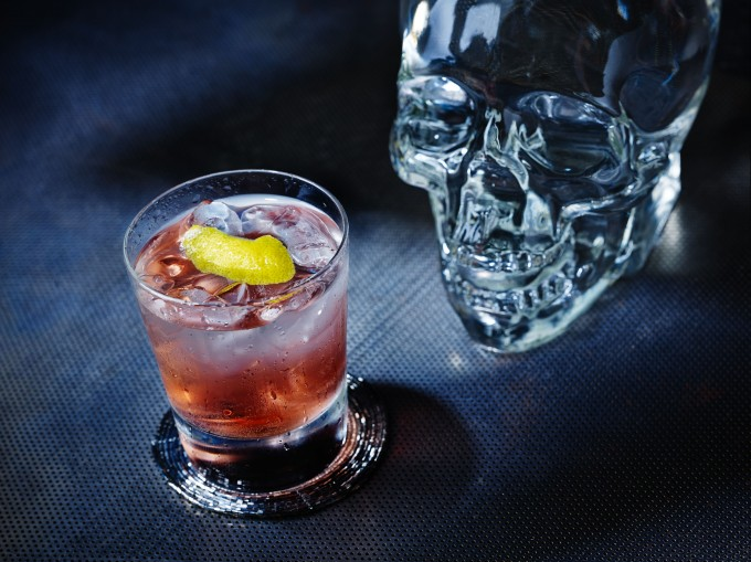 CRYSTAL CRAN WITH SKULL
