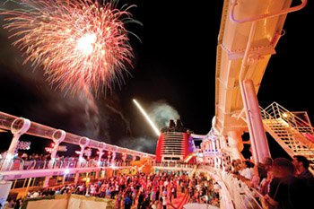 BUCCANEER BLAST! FIREWORKS AT SEA ON THE DISNEY DREAM