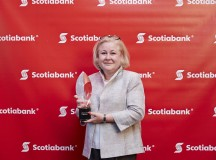 Arlene Dickinson Presents Krumpers with Scotiabank EcoLiving Award