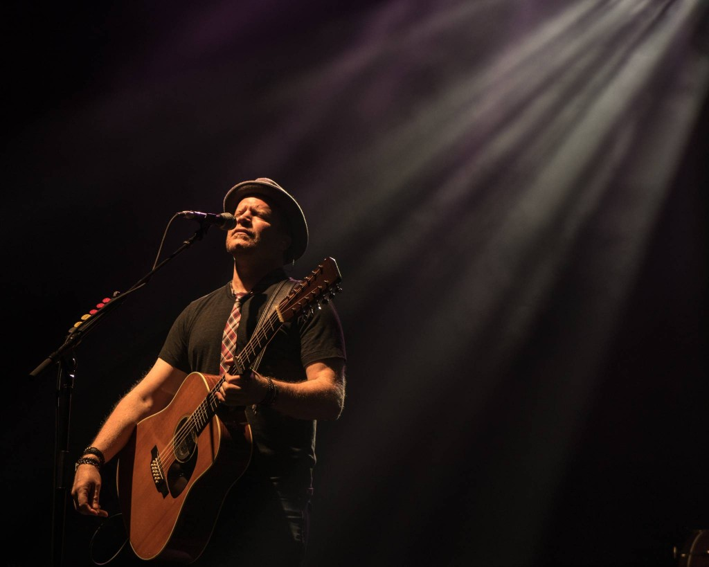 Lead guitarist Dan Vickrey of the Counting Crows performs in Ottawa at the National Arts Centre, May 17, 2015