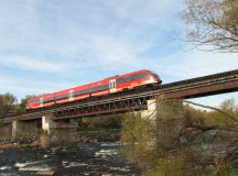 O_Train_over_Rideau_by_Wilder