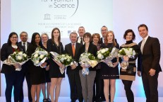 """L'Oréal Canada Launches """"For Girls in Science"""" Program"""