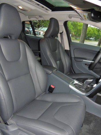 Volvo V60 T6 AWD 2016-front seats-2400px